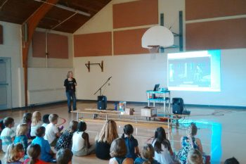 Lindsey presents to elementary students