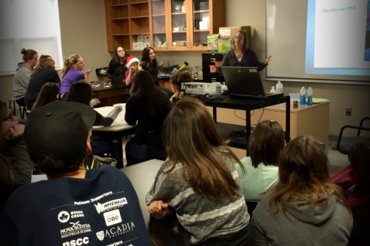 Lindsey presents on forensic science