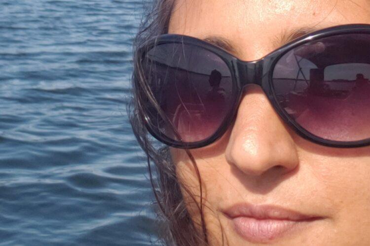 author Nidhi Kamra