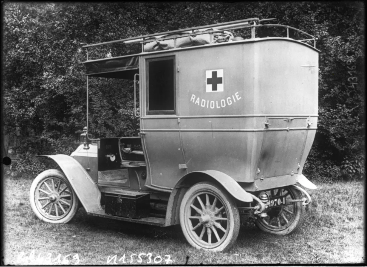Marie Curie's mobile X-ray unit